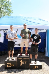 25K overal male podium, Andy Weaving takes the win